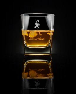 Fotografia produktowa - whisky z lodem